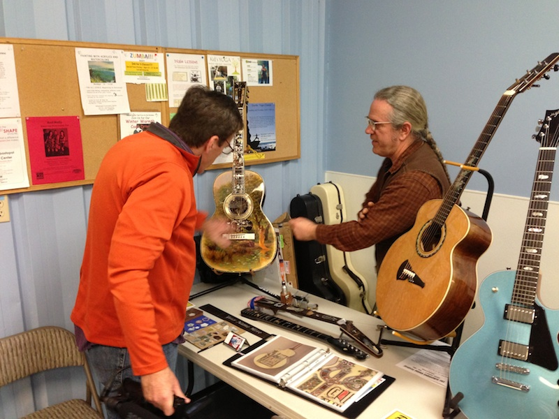Larry Robinson's table at Guitar Festival