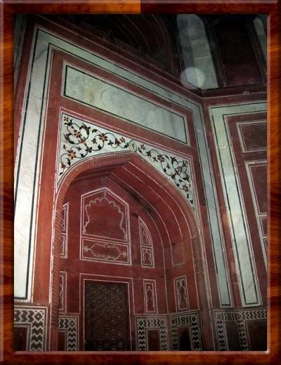014 Inside one of the gateways to the Taj.