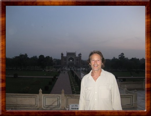 017 David says farewell to the Taj Mahal.  What an incrediblely inspirational jouney it has been