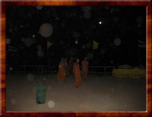 023 THE MONKS HEAD BACK DOWN THE MOUNTIAN TO THE TEMPLE