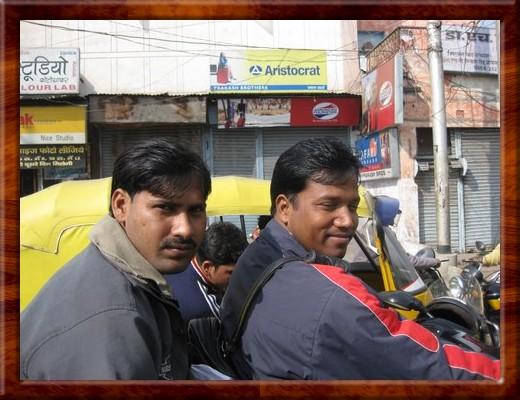030 TRAFFIC IN MUMBAI