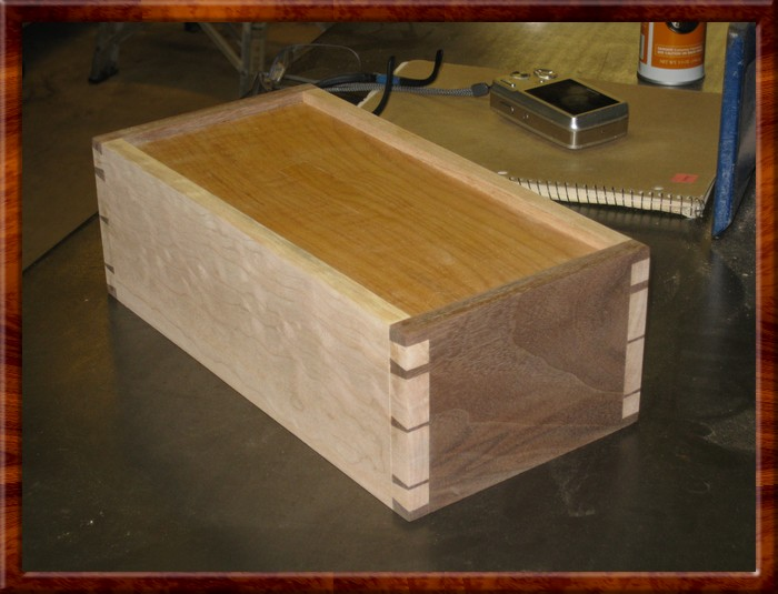 Dovetail Box 25